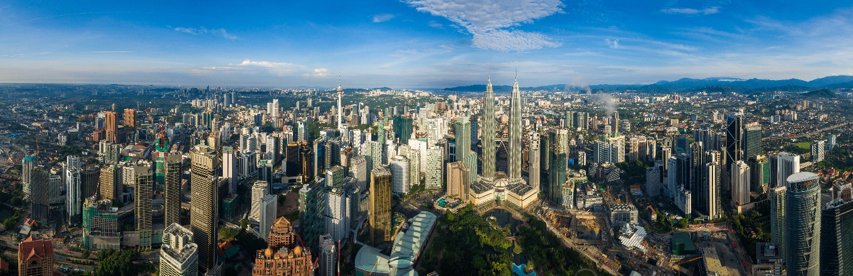 Kuala-Lumpur-Skyline-with-Petrons Towers
