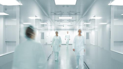 GMP-operators-in-a-facility-corridor